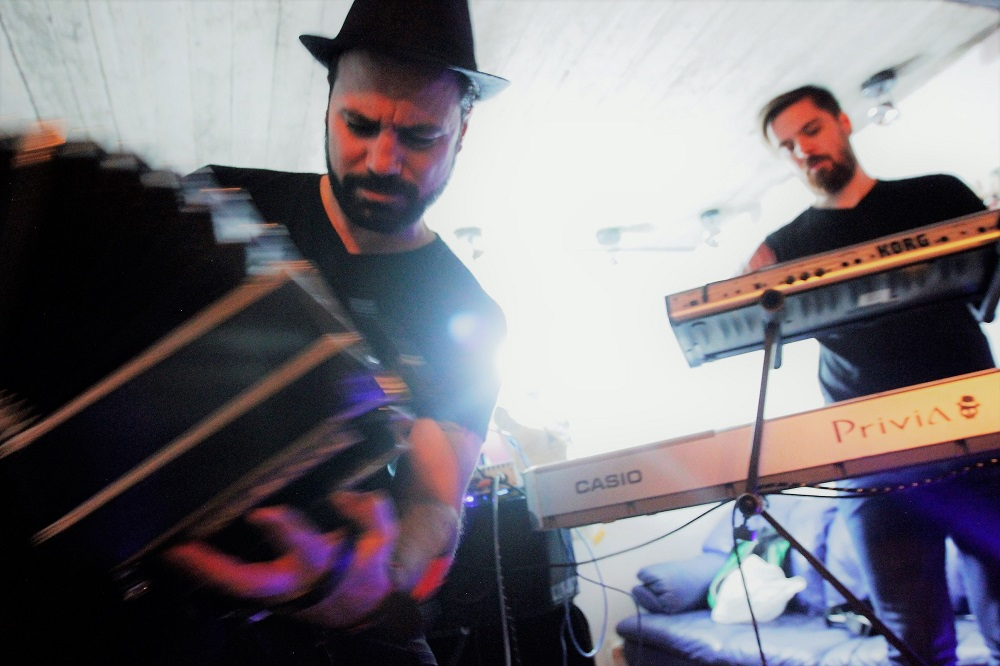 https://corazondetango.de/wp-content/uploads/2019/01/calavera_acid_tango-1-web.jpg
